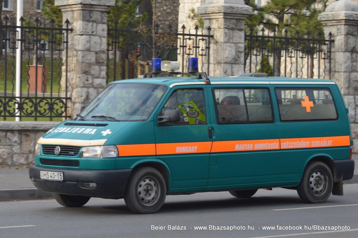 Volkswagen Transporter – EÜ szolgálat (zöld)