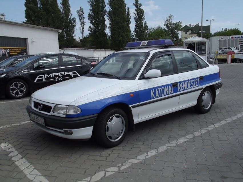 Opel Astra F – 4 ajtós Katonai Rendészet
