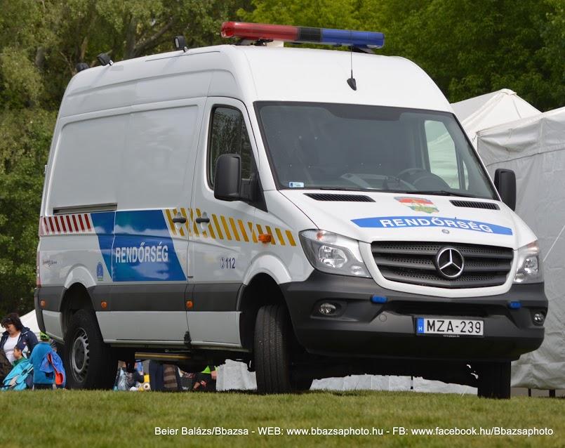 Mercedes Sprinter II 519 CDI 4×4 rövid – Helyszínelő