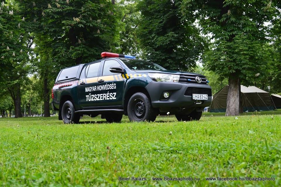 Toyota Hilux – Tűzszerészek