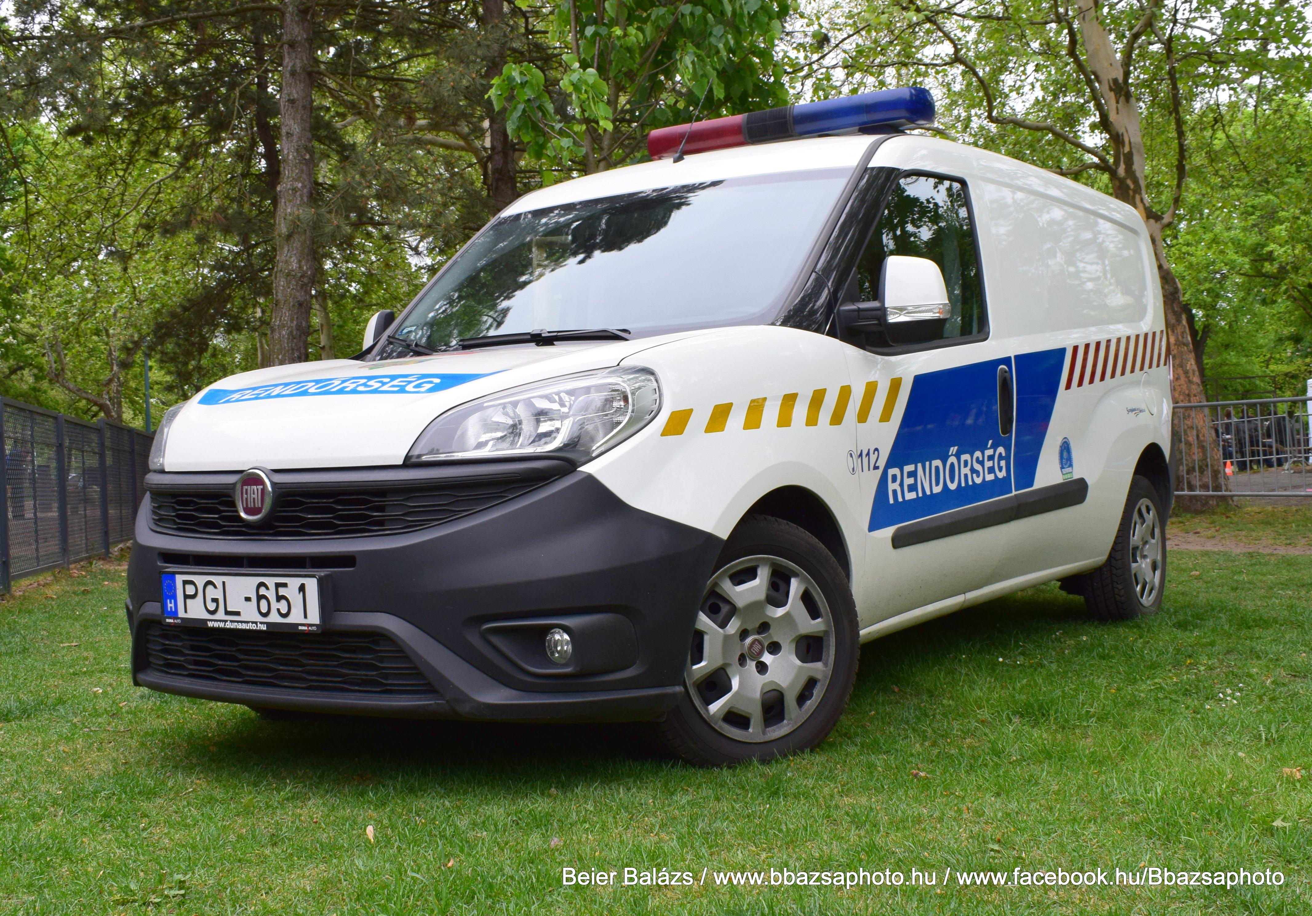 Fiat Doblo – KLFO csíkos.