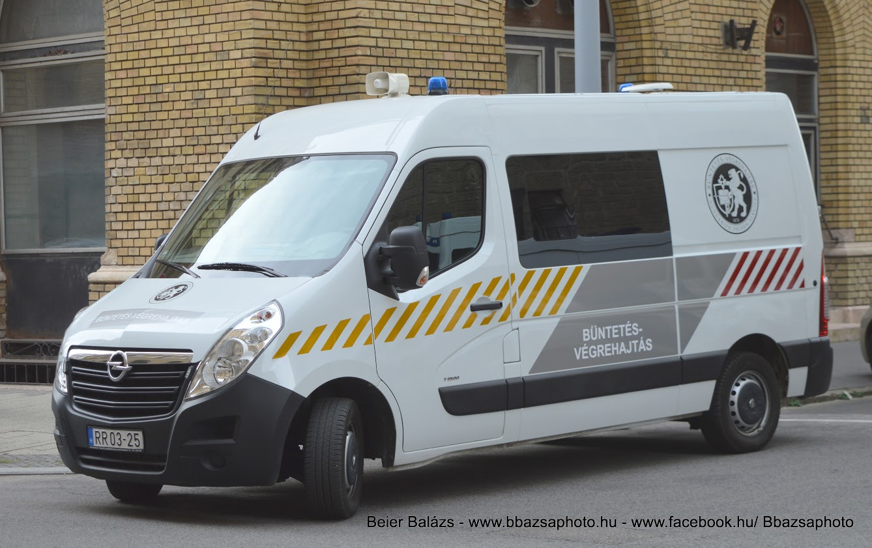 Opel Movano – csíkos