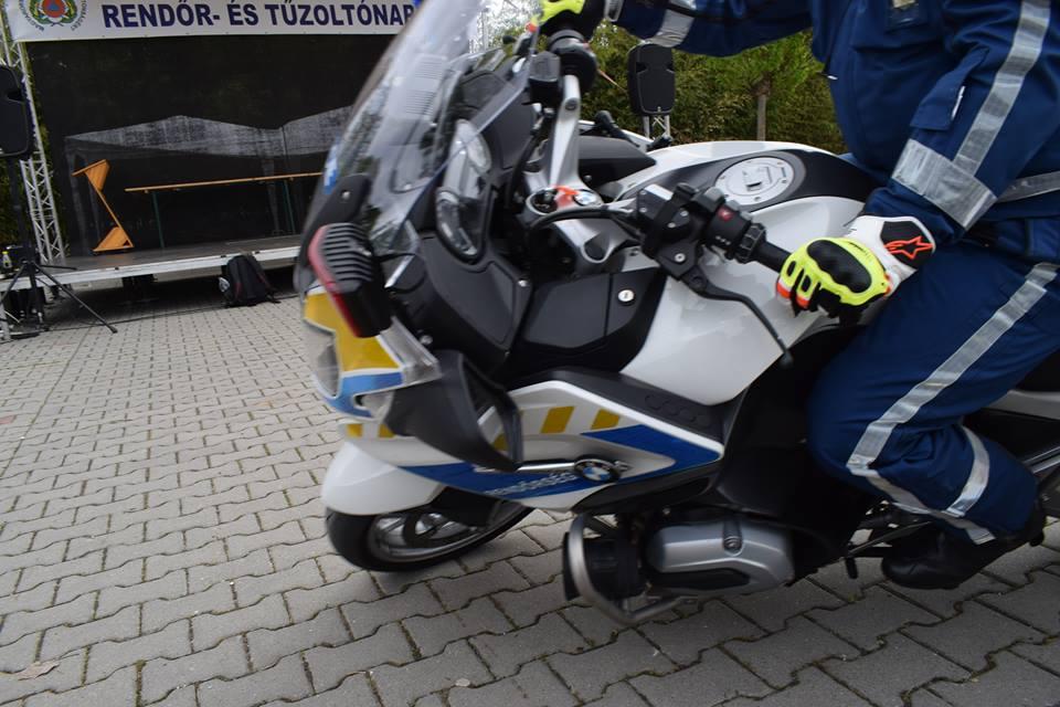 Pest megyei motoros alosztály bemutató