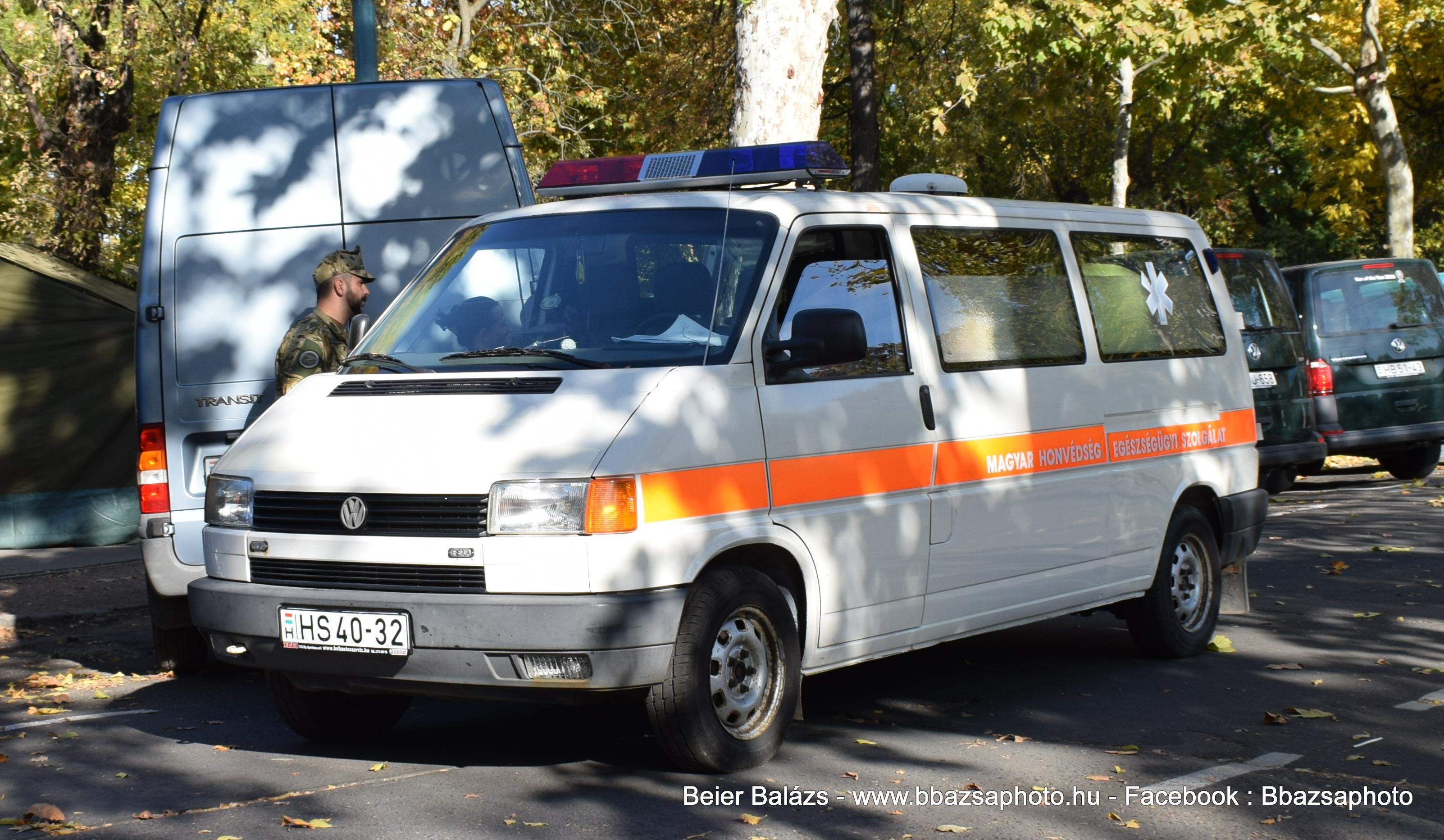 Volkwagen Transporter T4 – EÜ szolgálat fehér Code3