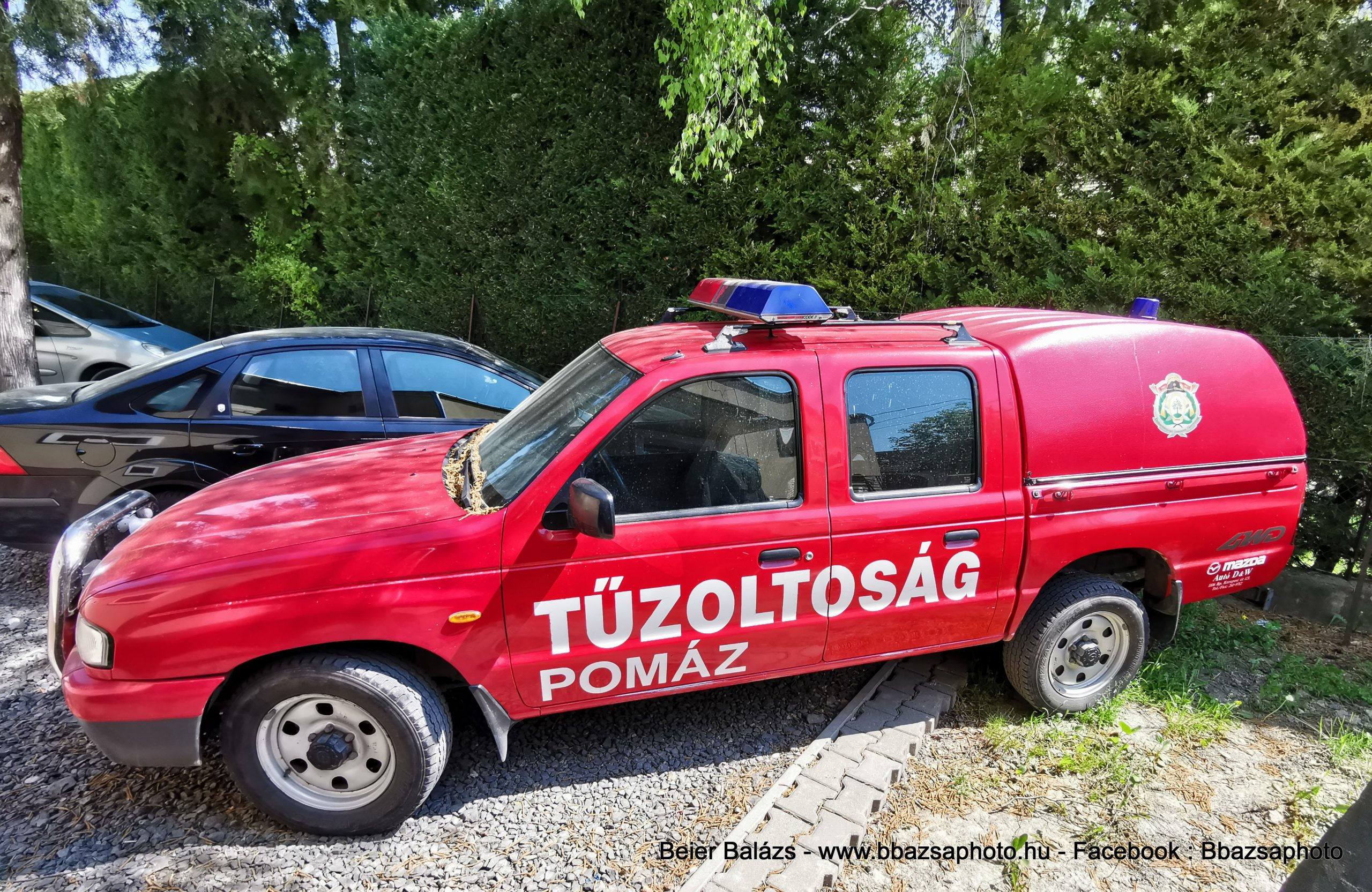 Mazda B2500 – Pomáz