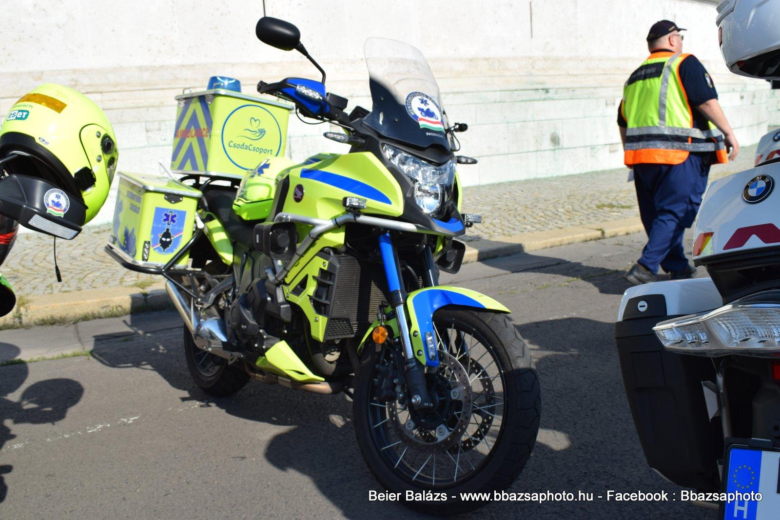 Honda Crosstourer 1200 DCT (zöld) Mentőmotor Alapítvány