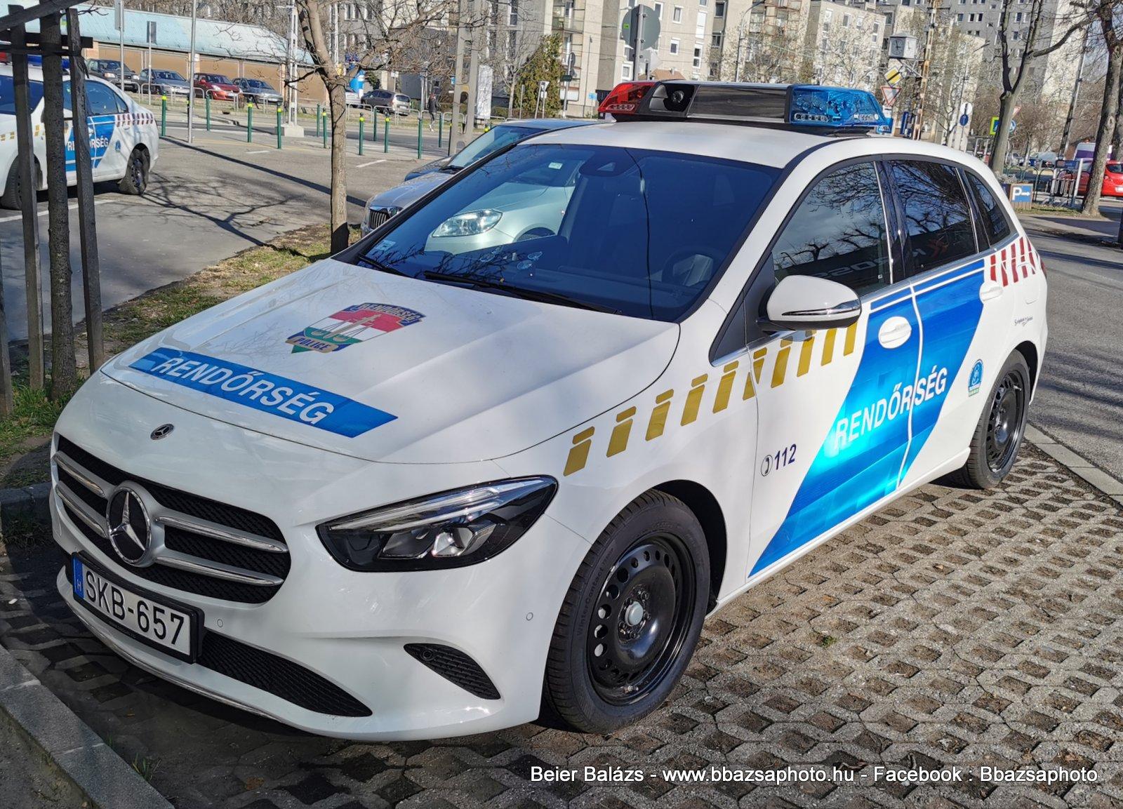 Mercedes B220 II Hella