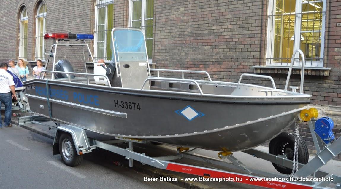 Rendőrcsónak Tiszai Vízirendészet