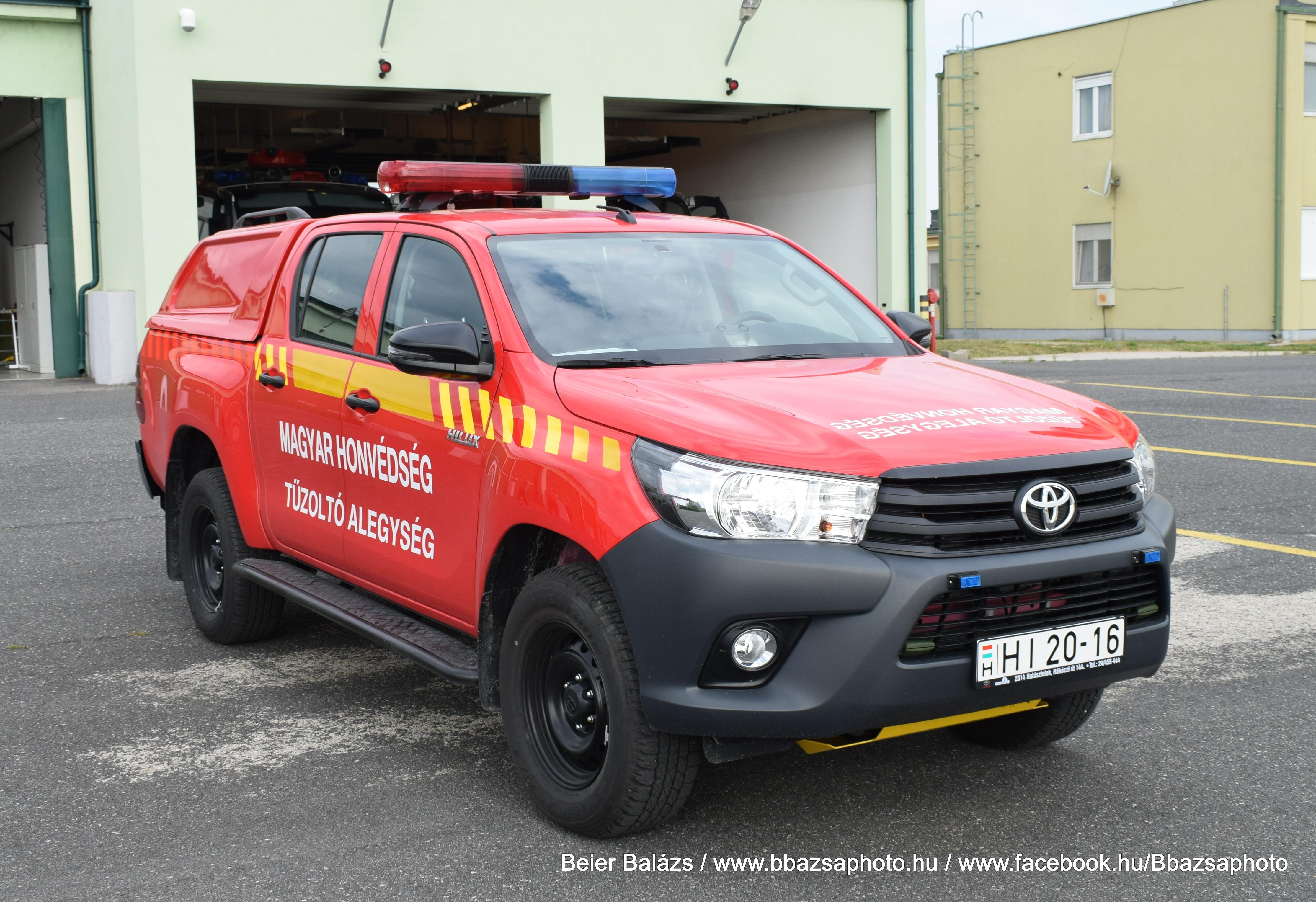 Toyota Hilux – MH Pápai Bázisrepülőtér Command