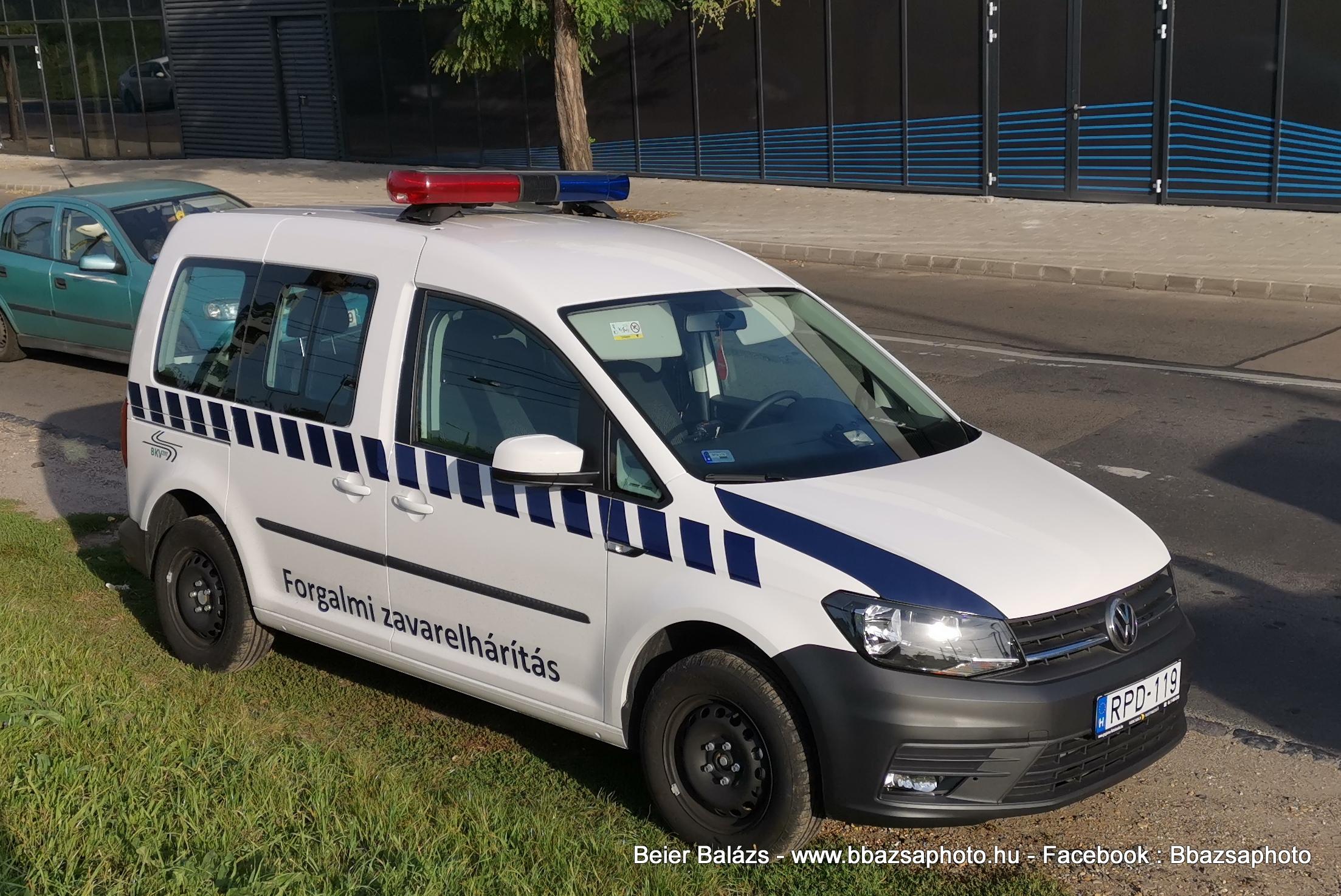 Volkswagen Caddy II – Forgalmi zavarelhárítás 2019