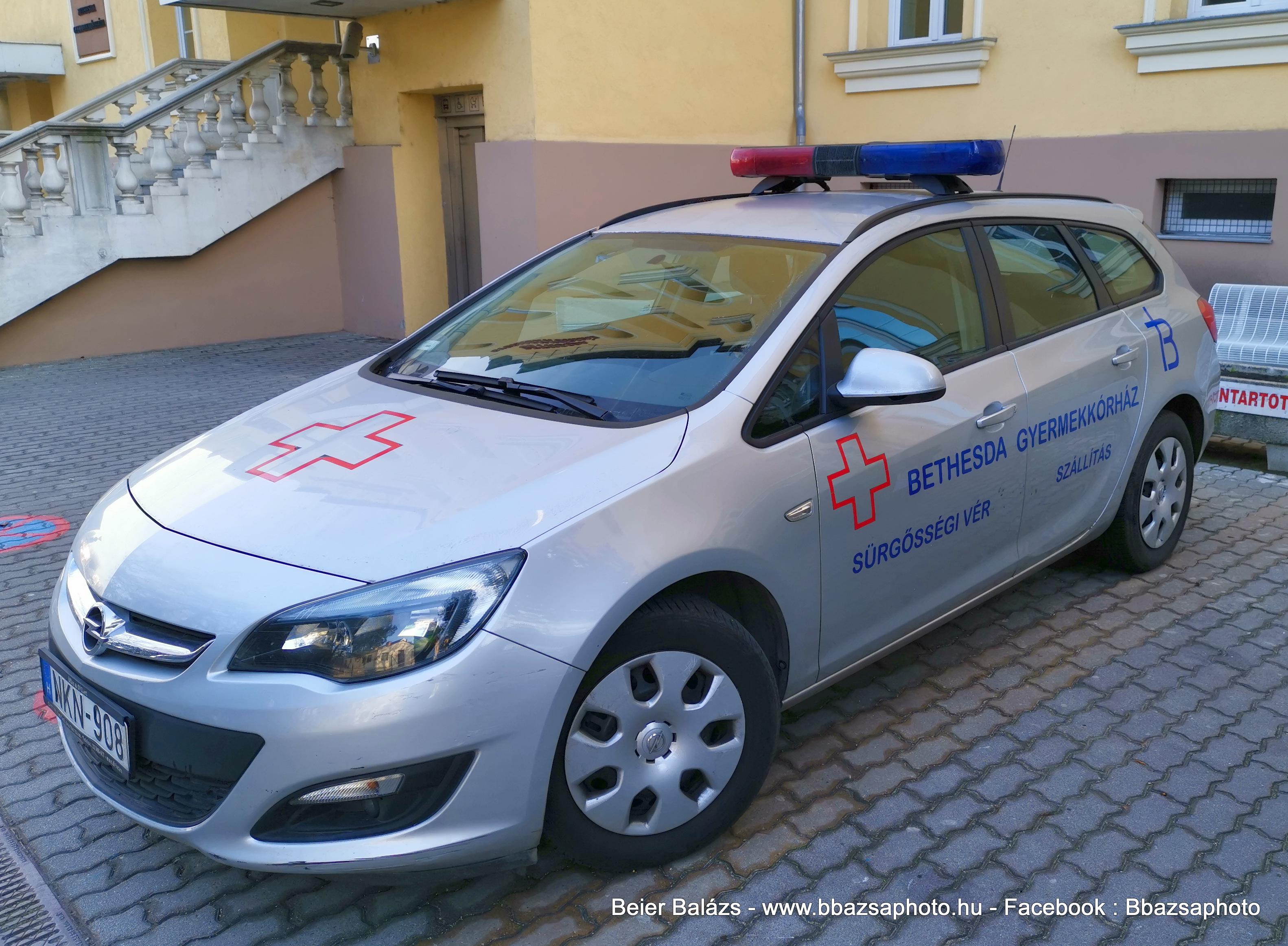 Opel Astra J – Bethesda Gyermekkórház