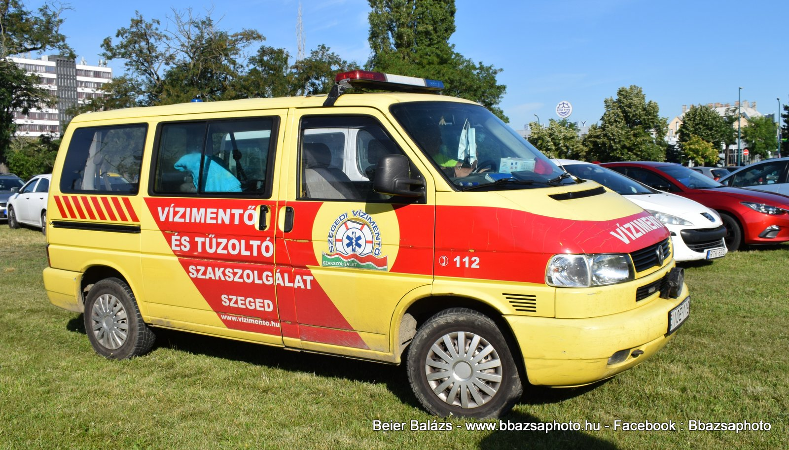 Volkswagen Transporter T5 – Szegedi vízimentők (sárga)