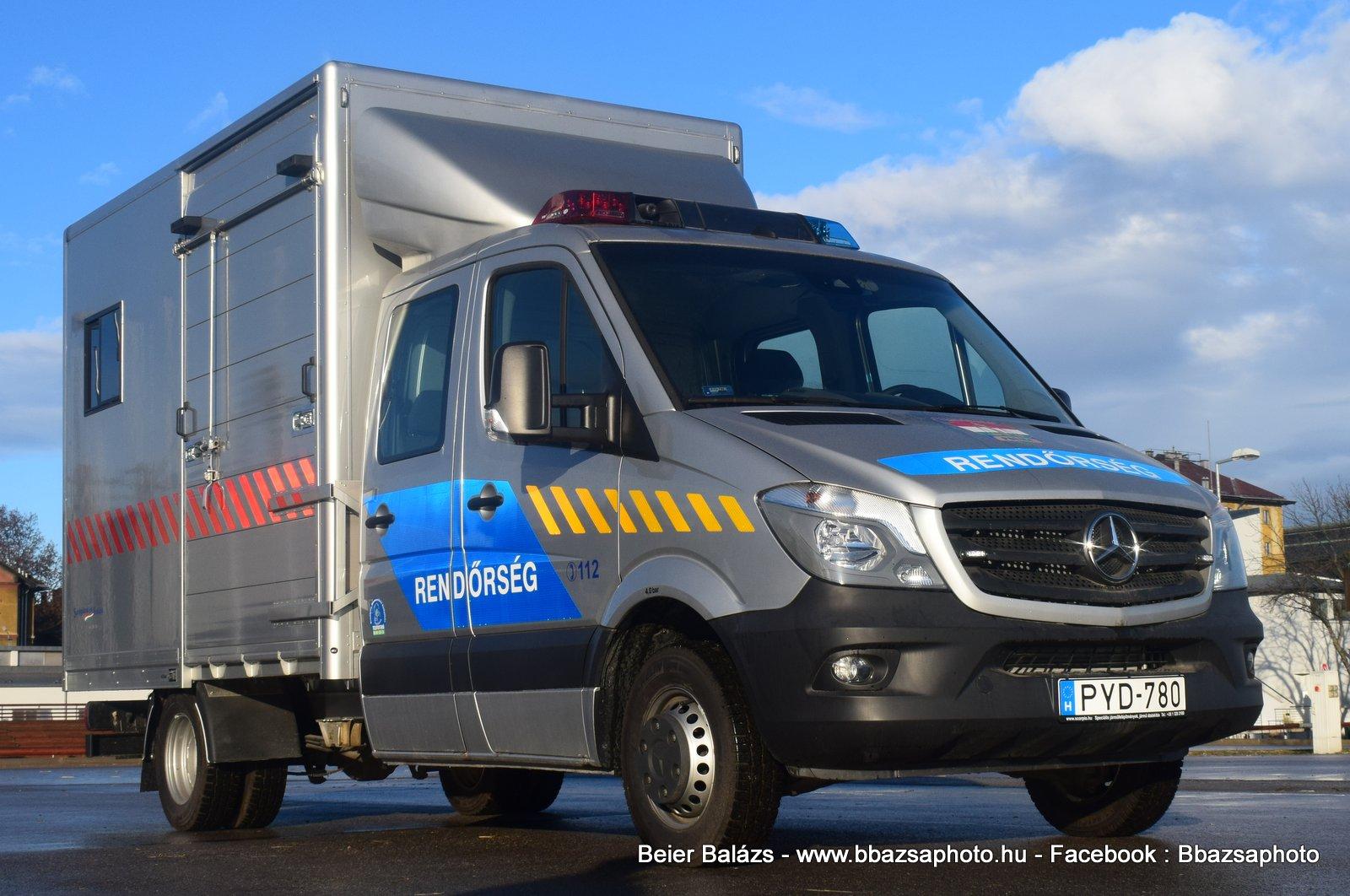Mercedes Sprinter – Lószállító KR Hella