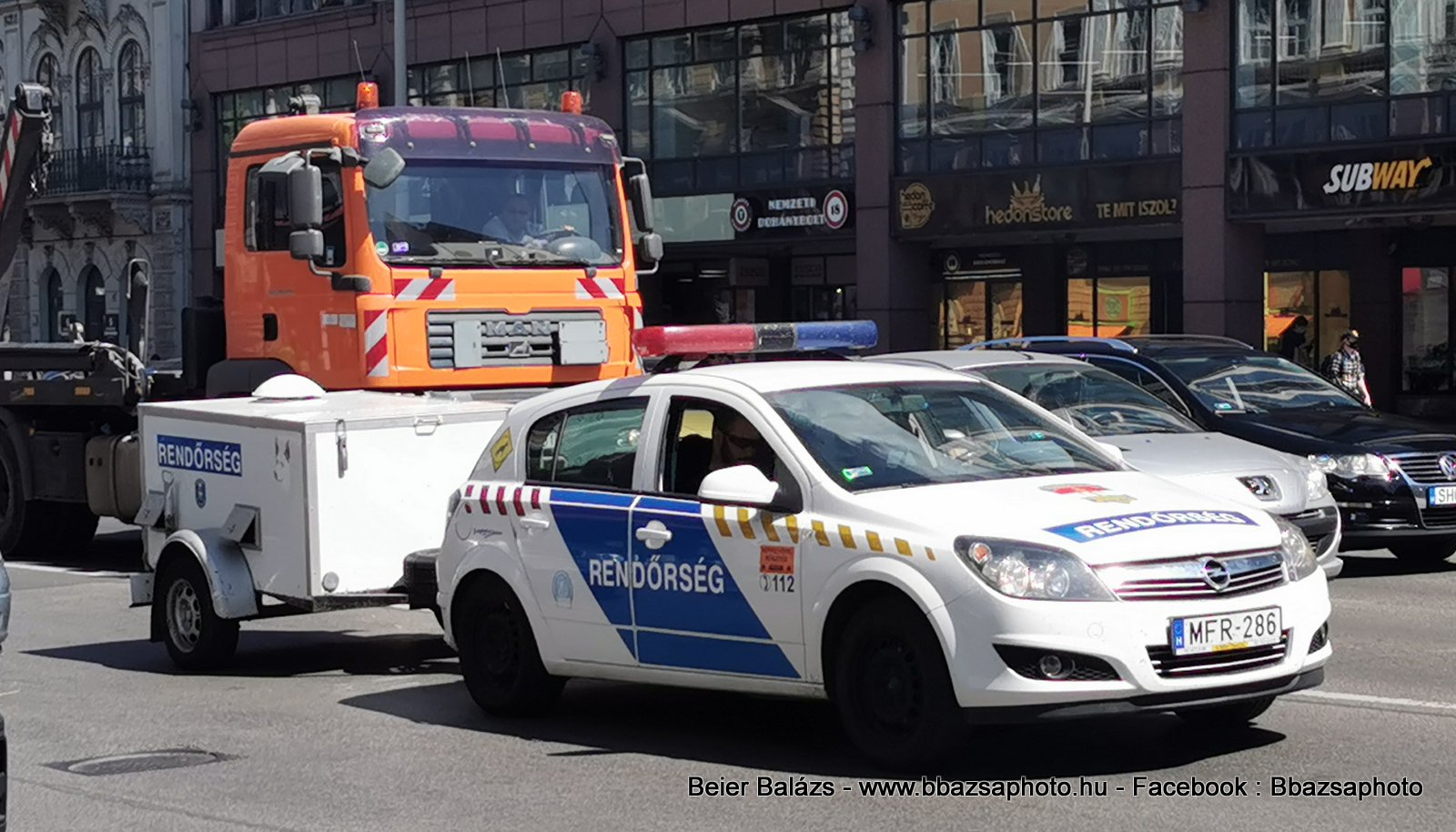 Opel Astra H – kutyás utánfutó