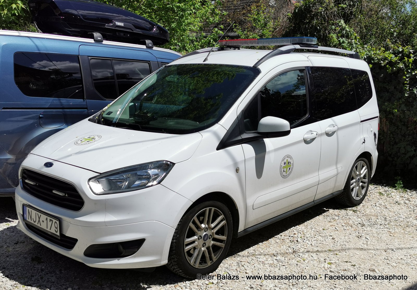 Ford Tourneo Courier – Pest megyei kutató mentő