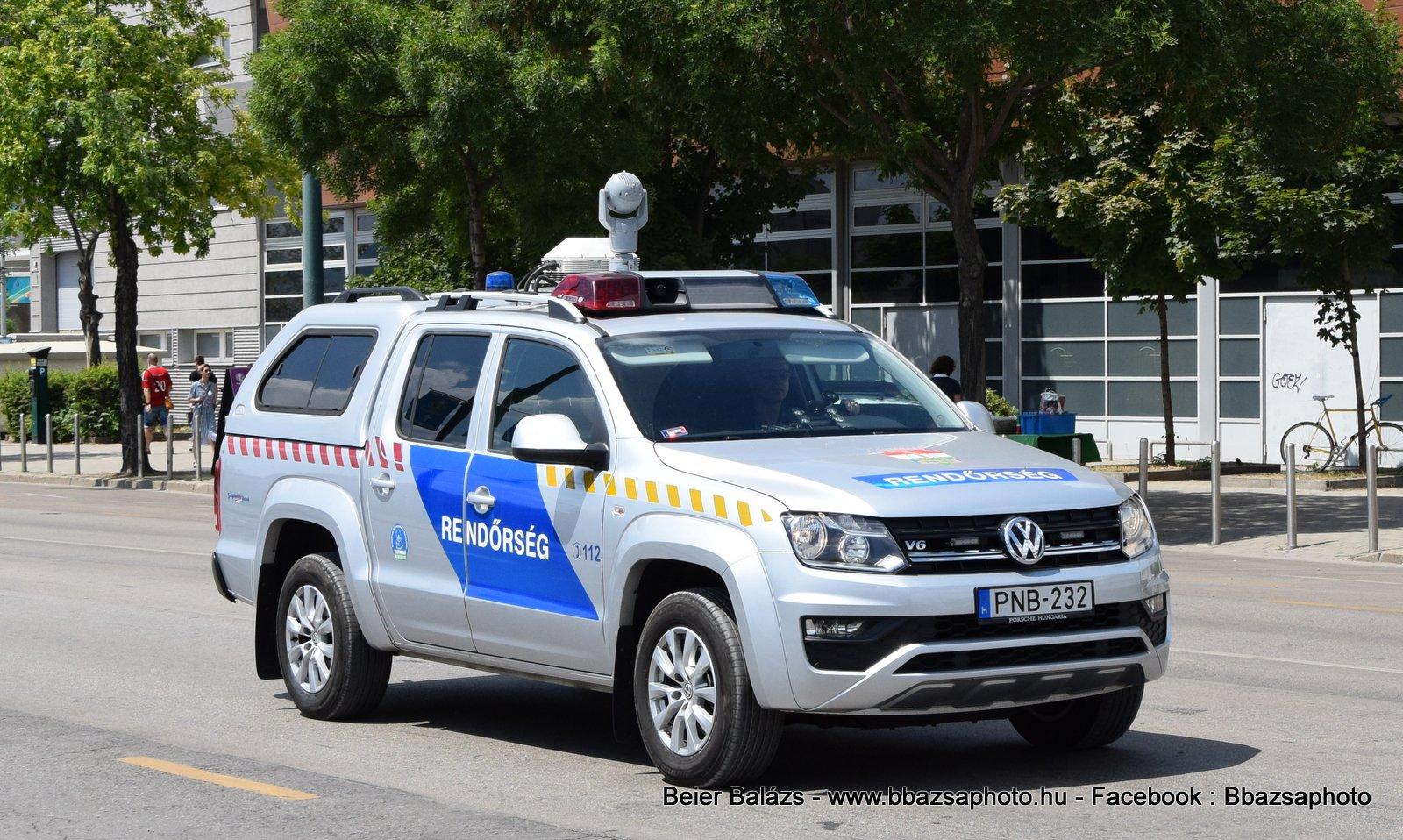 Volkswagen Amarok KR Hella – Térfigyelő